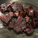 Tofuwürfel in Sojasauce