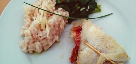 Schollen-Saltimbocca mit Apfelrisotto und Babyspinat