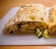 Kartoffelstrudel mit Gemüse und Feta