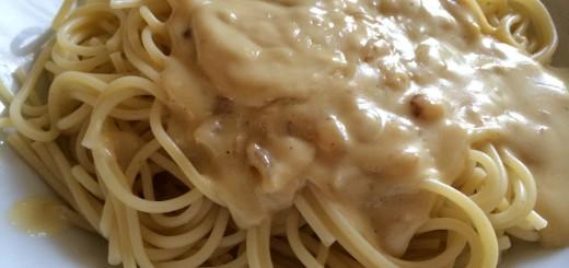 Spaghetti mit Käsesauce