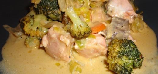 Rotes thailändisches Curry mit Lachs