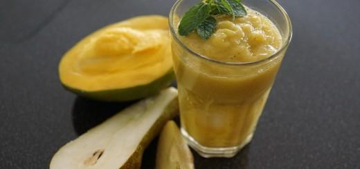 Mango-Birne-Apfel-Smoothie
