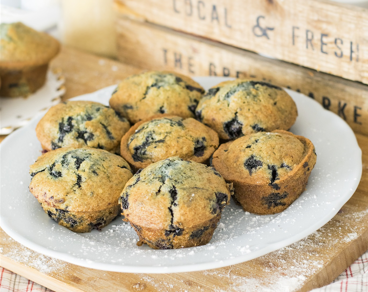 blueberry-muffins-2136749_1920