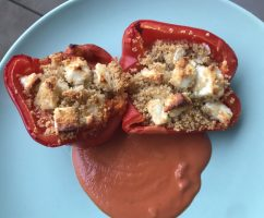 Gefüllte Paprika mit Schafkäse und Couscous
